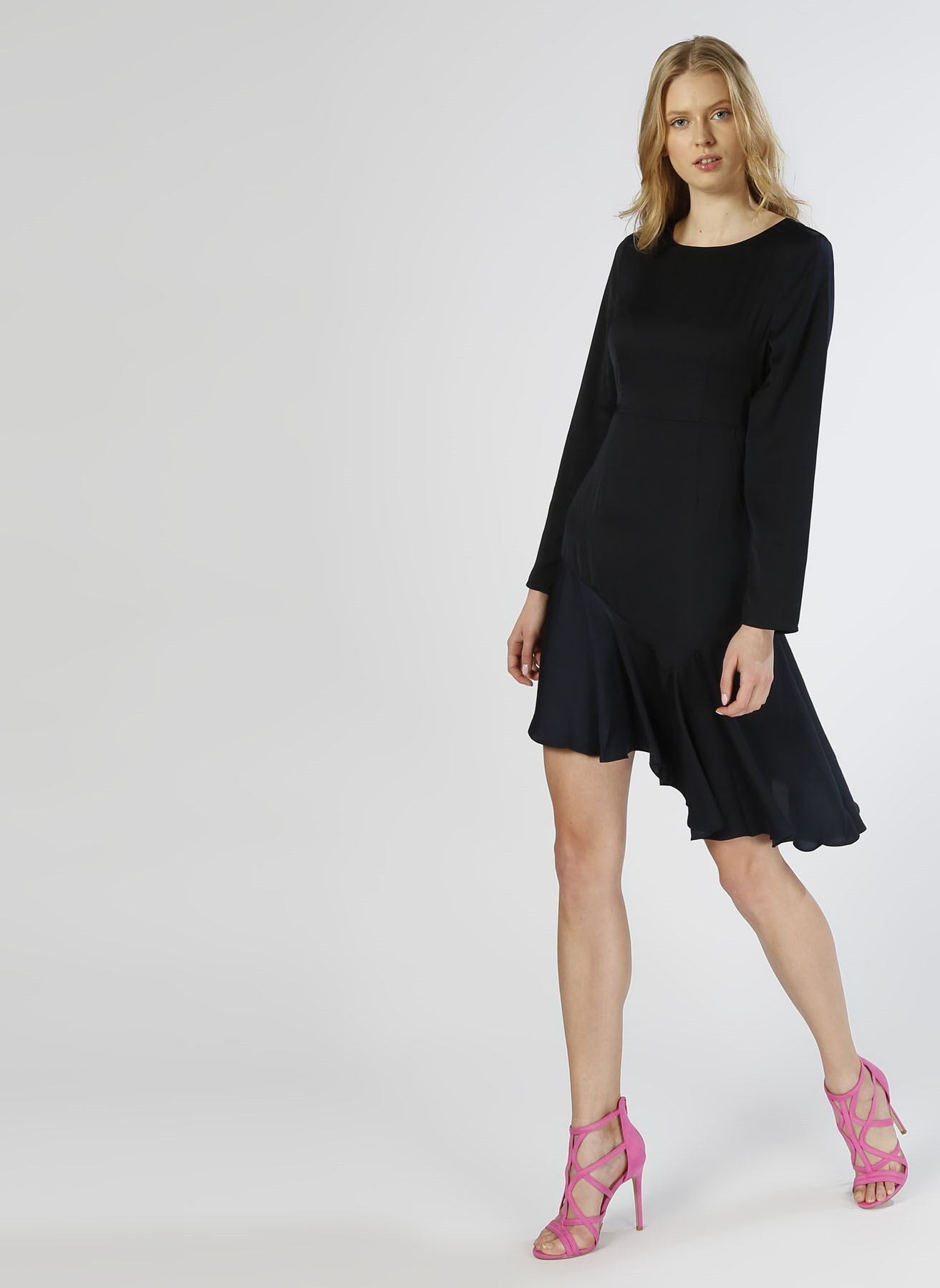 Vero Moda Asimetrik Fırfırlı Lacivert Elbise L 5000196080001 Ürün Resmi