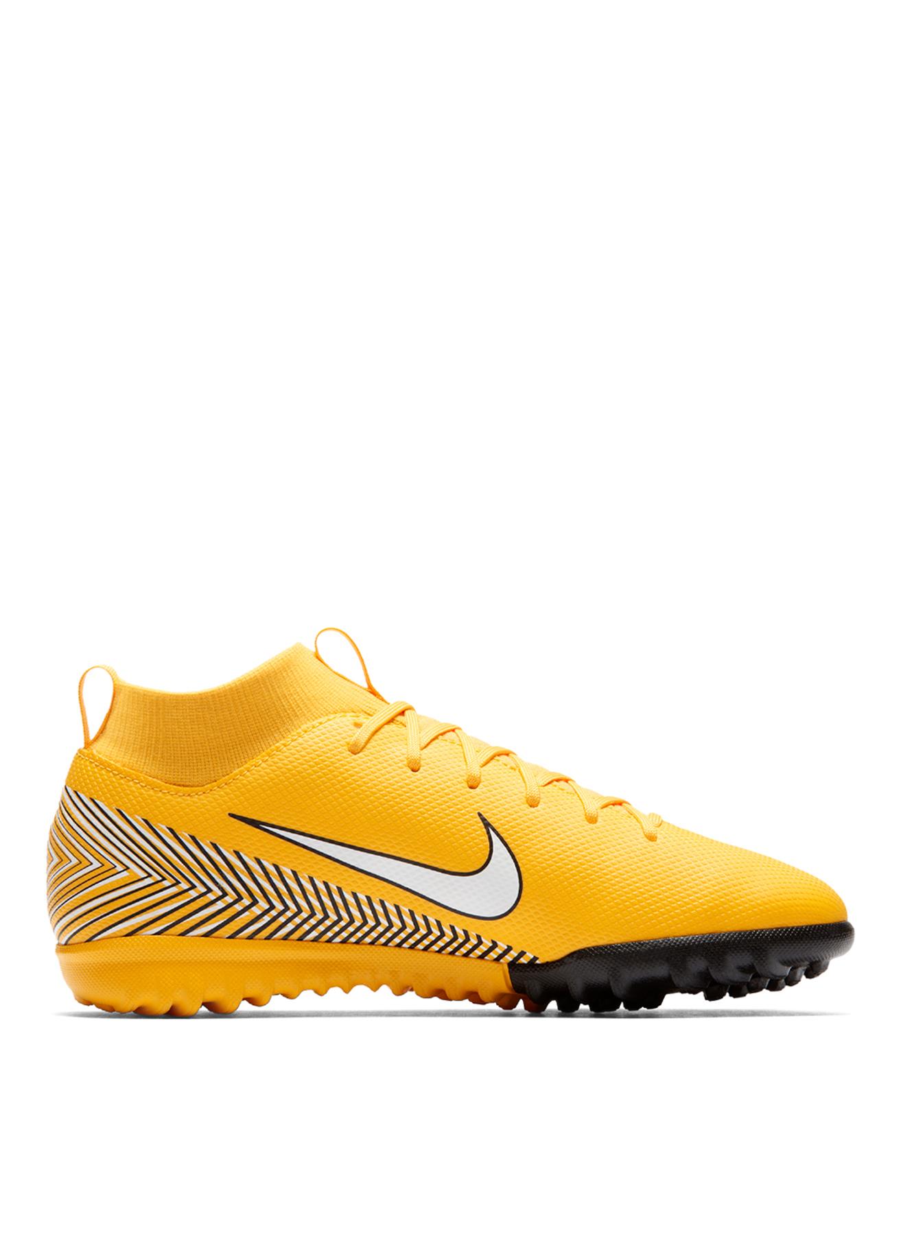 Nike Halı Saha Ayakkabısı 37.5 5001635482008 Ürün Resmi