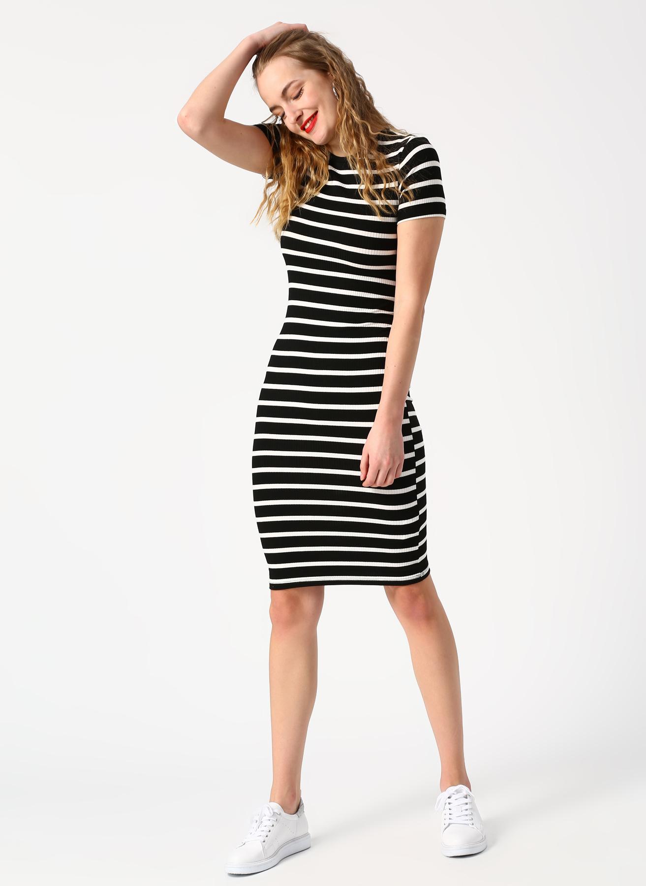 b3739e3fa4f3e Koton Siyah Beyaz Çizgili Midi Boy Elbise L 5002393014001 Fiyatları ...